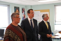 AFTCT Pres. Melodie Peters, Gov. Malloy and NHFT Pres. David Cicarella observe one of the HSC classes